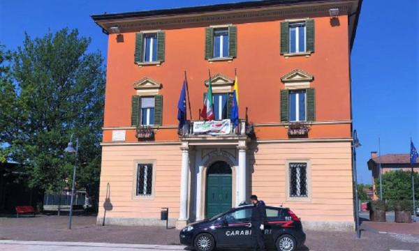 #Coronavirus #EmergenzaEconomica Padre di famiglia tenta il suicidio coi figli, soccorso dai Carabinieri